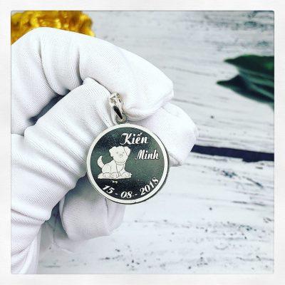 Mặt bạc khắc tên cho bé Kiến Minh