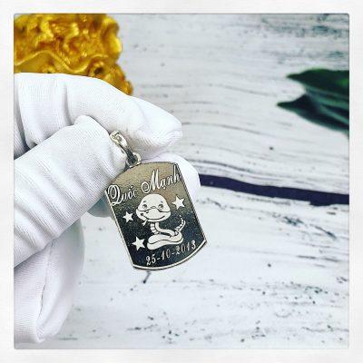 Mặt bạc khắc tên dành cho bé Quốc Mạnh