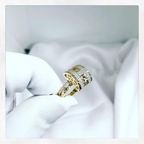 Nhẫn nữ hình chữ H