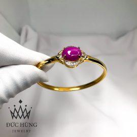 Vòng tay đính đá hồng quý phái