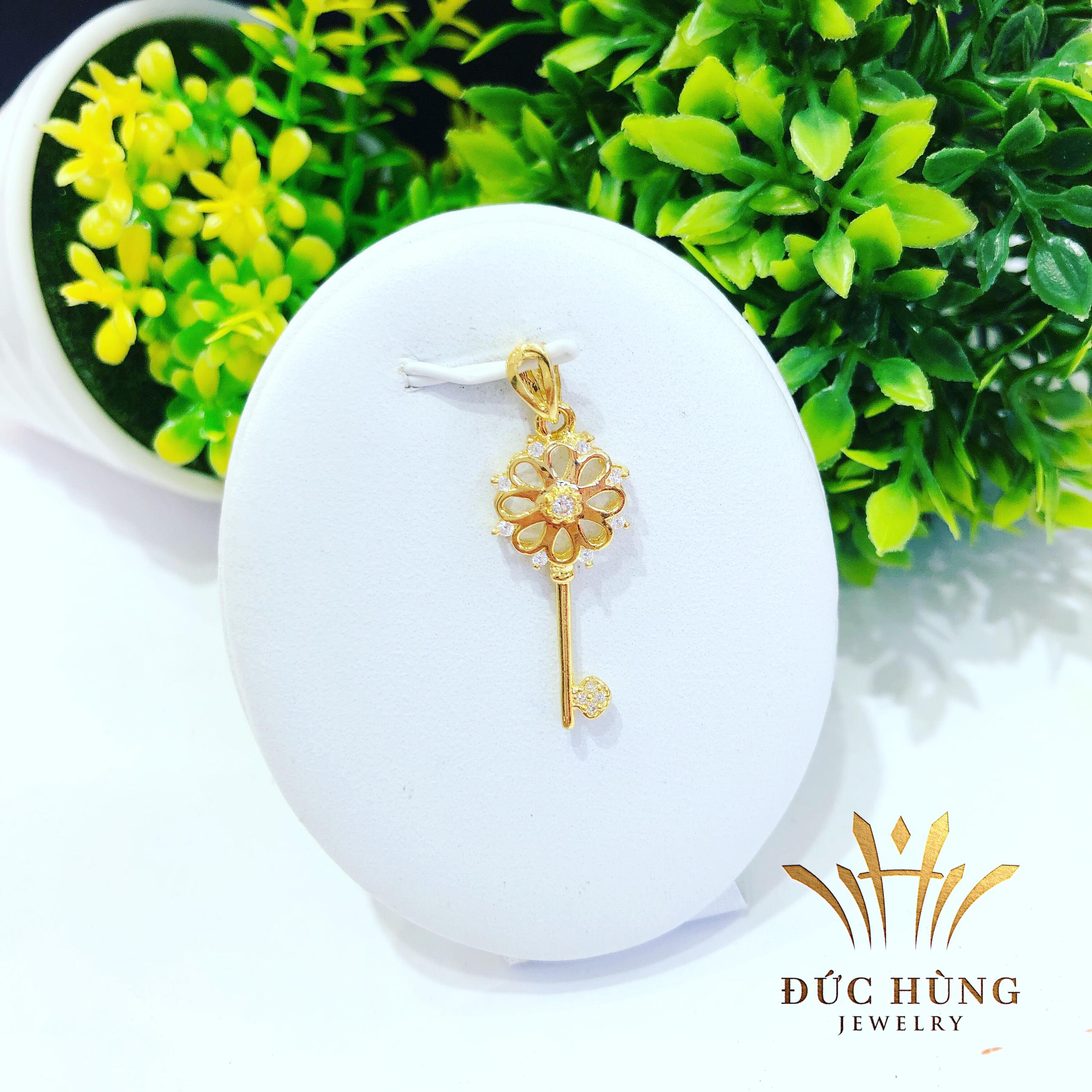 Dây chuyền vàng nữ hình chìa khóa