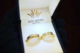 Nhẫn cưới thường mấy chỉ?