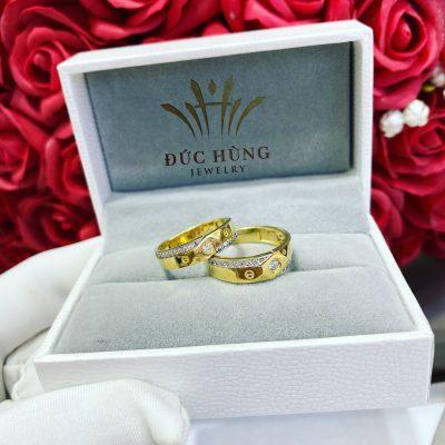 Cặp đôi nhẫn cưới ngọt ngào