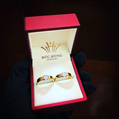 Cặp nhẫn cưới lịch sự