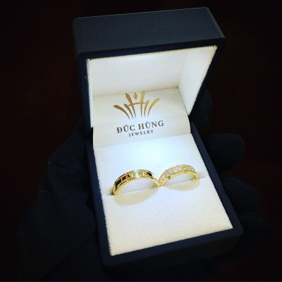 Nhẫn cưới tình yêu
