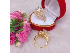 Những chiếc nhẫn cưới kim cương tự nhiên đẹp nhất 2019