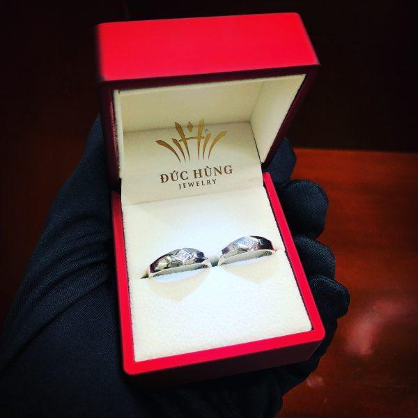 Cặp nhẫn cưới quý phái