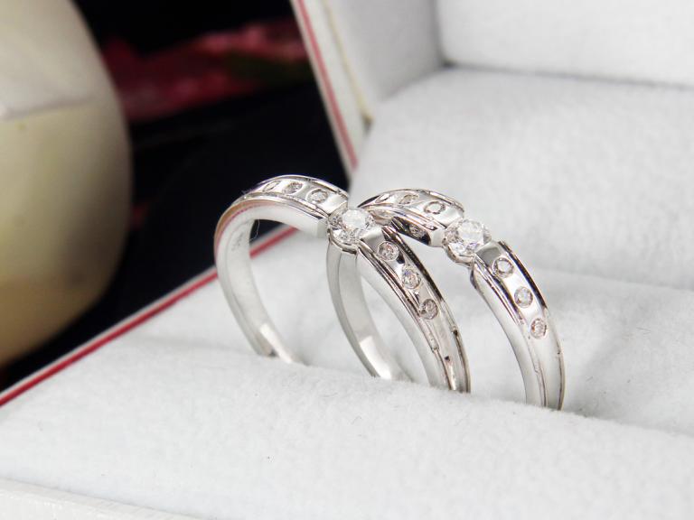 Nhẫn bạch kim có giá bao nhiêu là chuẩn nhất 2019