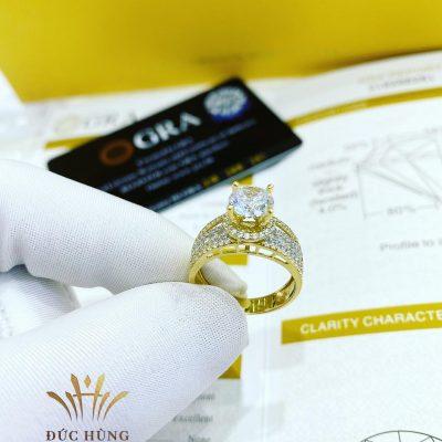 Nhẫn kim cương vàng trắng đính nhiều đá