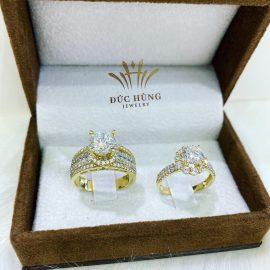 Nhẫn cưới vàng đính đá 18k