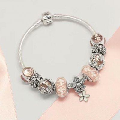 Vòng charm Pandora nhiều hạt