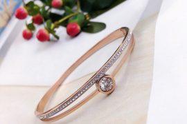 Địa chỉ mua vòng tay nữ vàng hồng uy tín