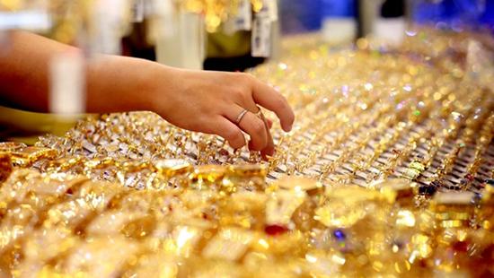Lo ngại dịch Covid-19 tác động nền kinh tế, 92% dự báo giá vàng sẽ tăng